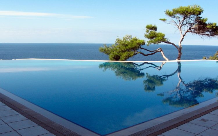 20 Infinity Pools with the Most Stunning Views