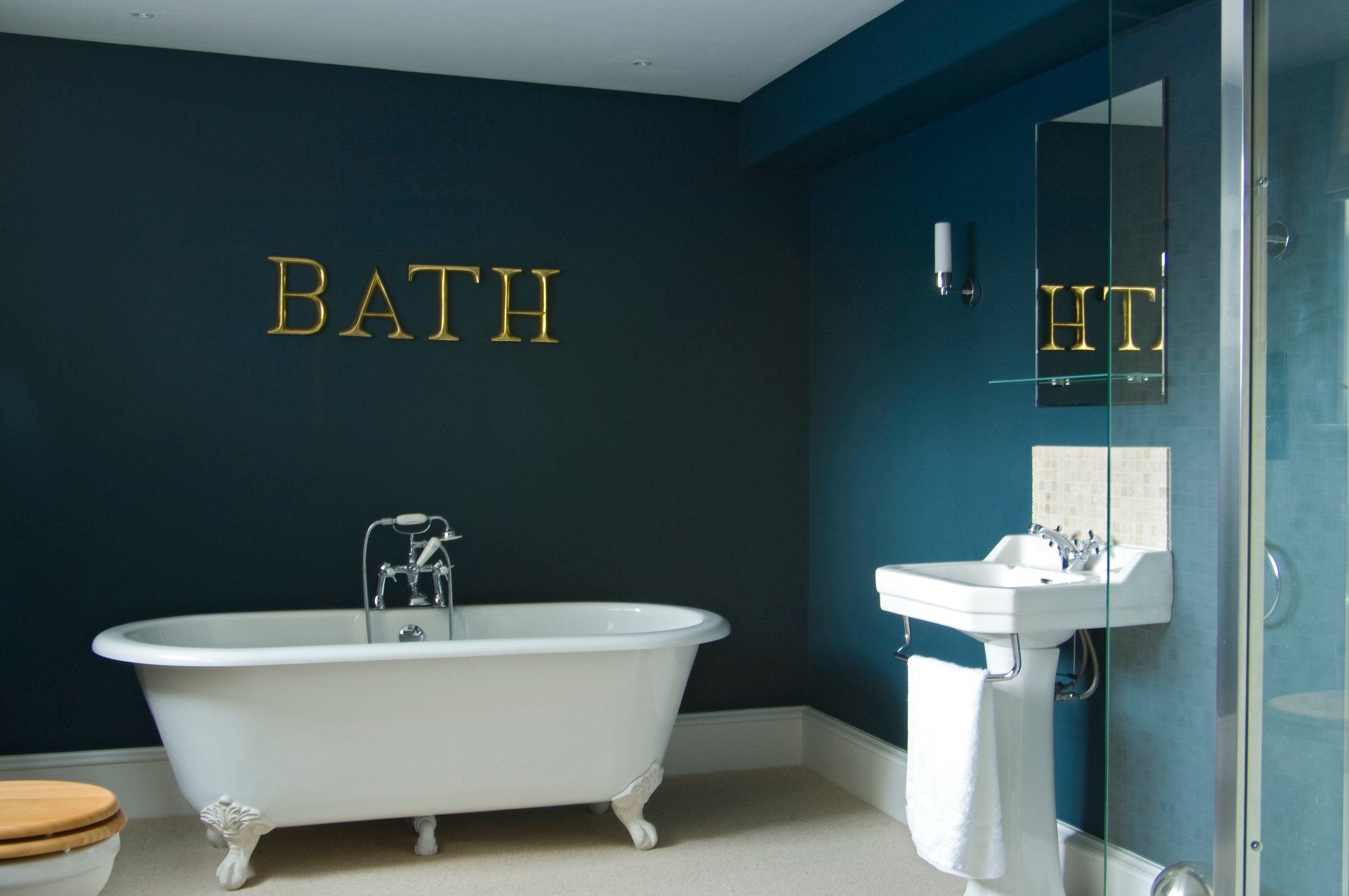 8 of the Most Gorgeous Blue Bathroom Designs