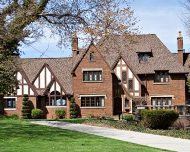 20 of the Most Gorgeous Tudor Style Home Designs