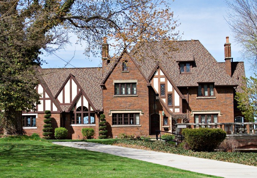 20 of the most gorgeous tudor style home designs - What makes a house a tudor ...