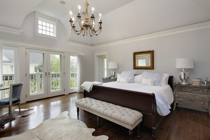 20 Beautiful Master Bedrooms With Chandelier Lighting