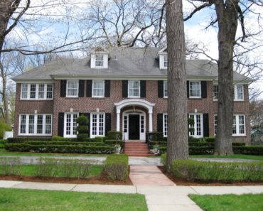 20 Unbelievable Houses Featured in Movies and TV