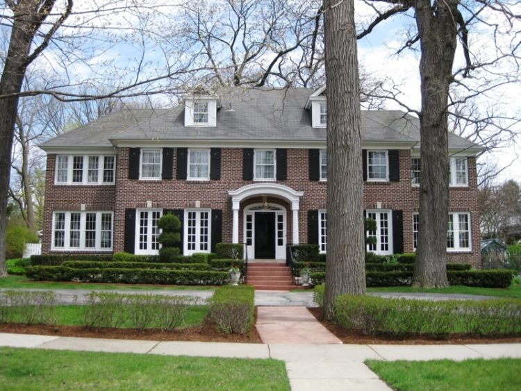 20 Unbelievable Houses Featured In Movies