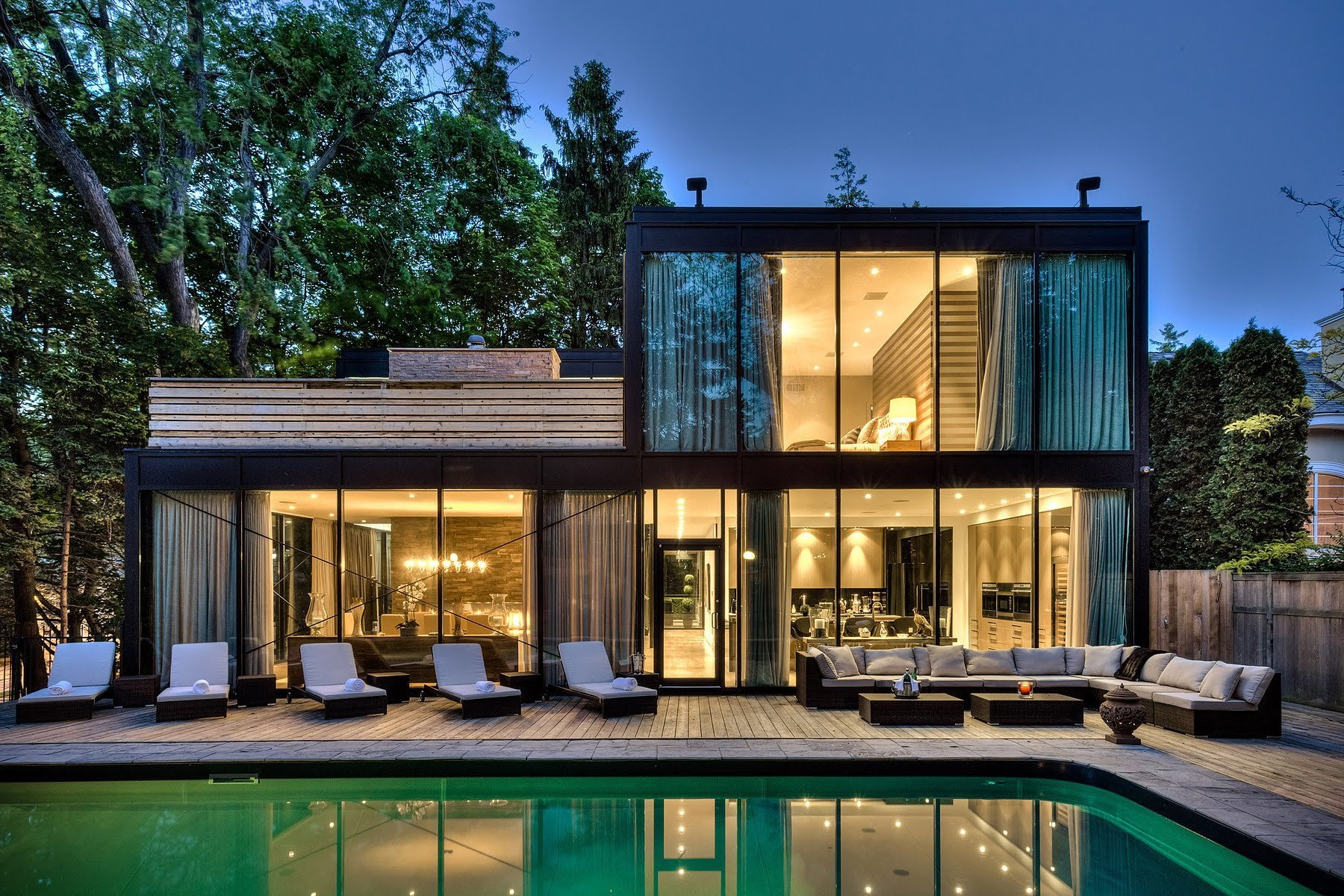 20 of the most gorgeous glass house designs for Contemporary homes images