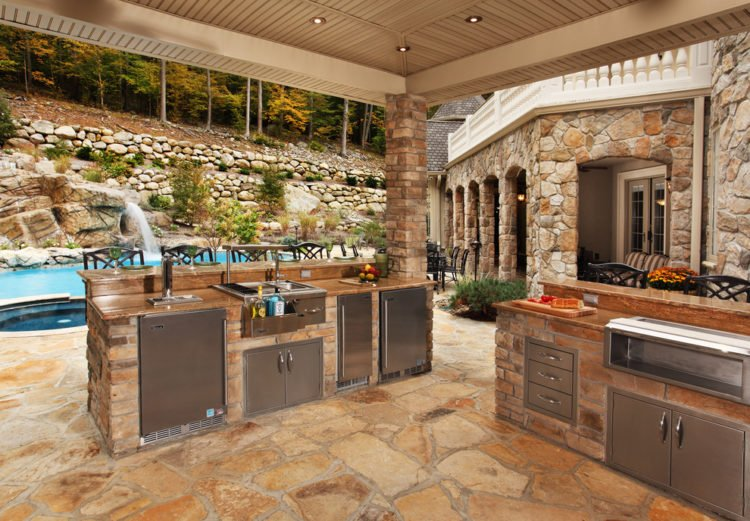 20 Gorgeous Poolside Outdoor Kitchen Designs