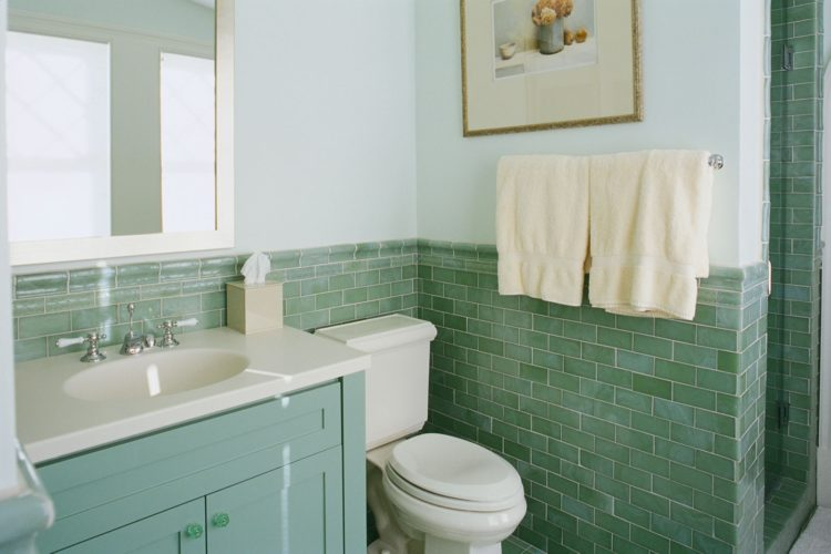 Green is a refreshing color that can make you feel good no matter what room it's used in, including the bathroom. Green comes in so many different shades ...