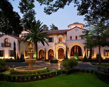 20 Stunning Mediterranean Mansions