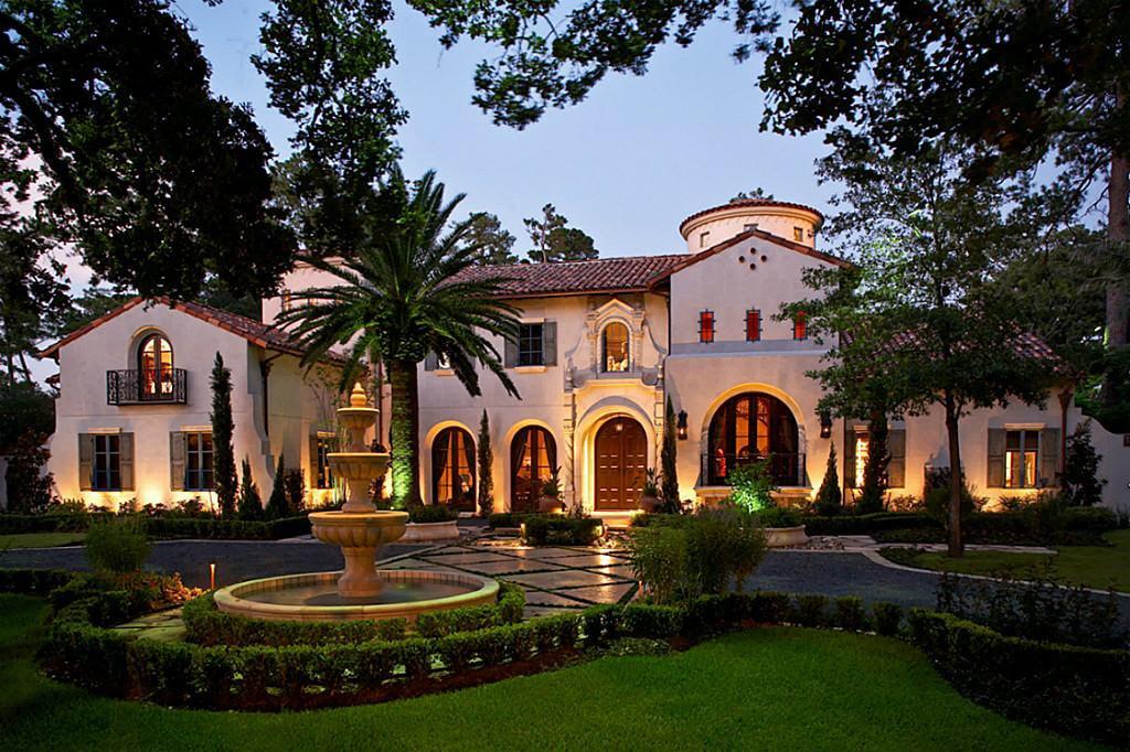 Stunning Mediterranean Mansions From Around The World