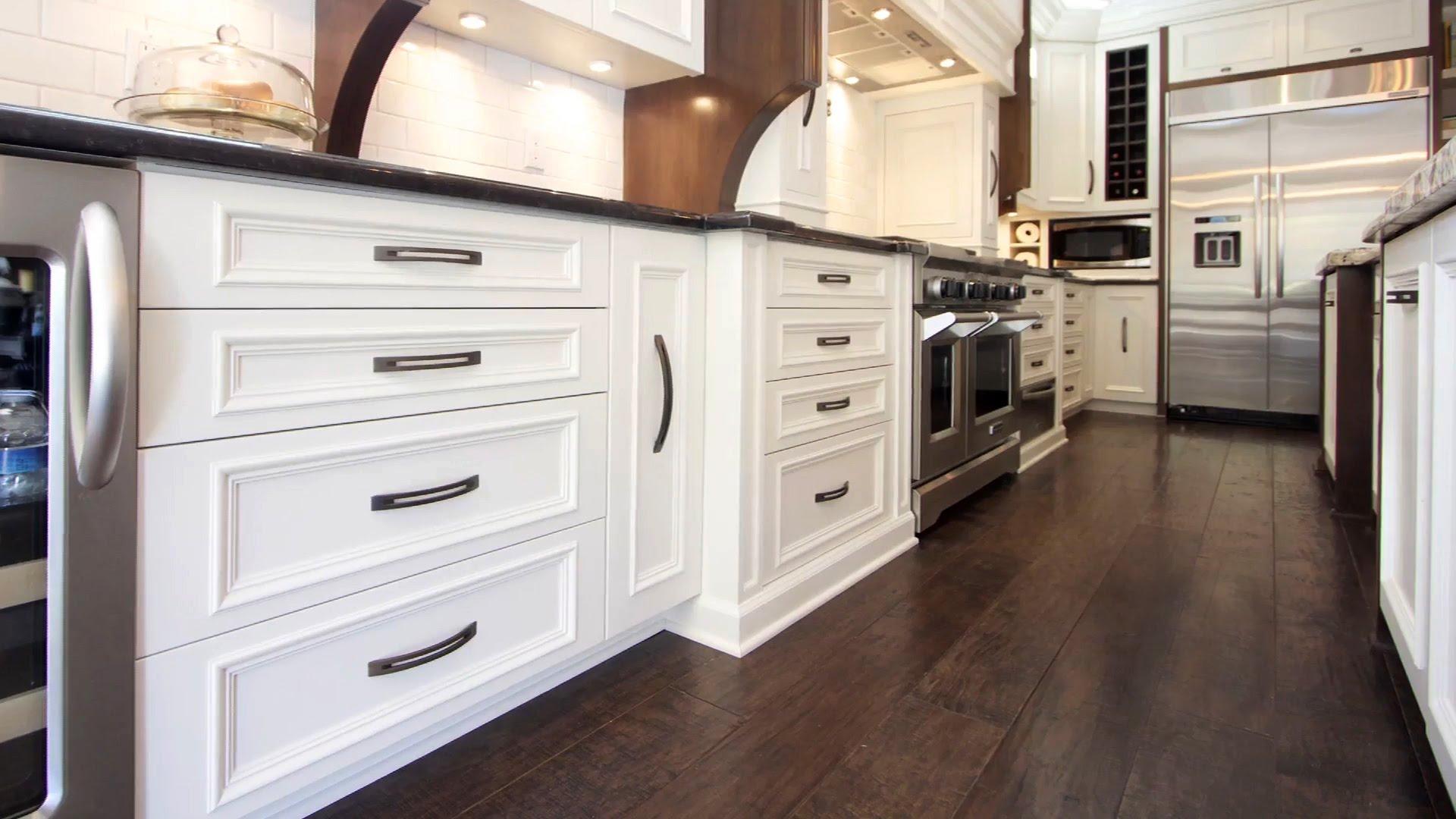& 20 Gorgeous Flooring Ideas For the Kitchen