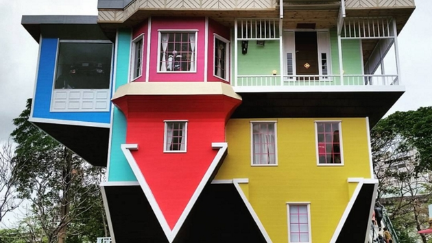 Superior 20 Of The Most Famous Upside Down Homes In The World