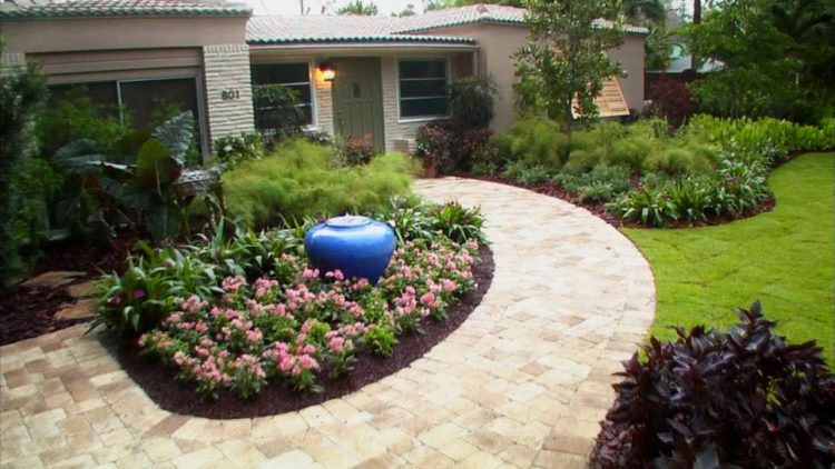 20 Simple But Effective Front Yard Landscaping Ideas on Simple Backyard Landscaping id=43946