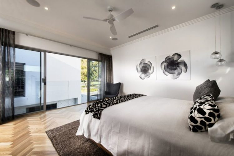 20 beautiful bedrooms with modern ceiling fans - Size of ceiling fan for living room ...