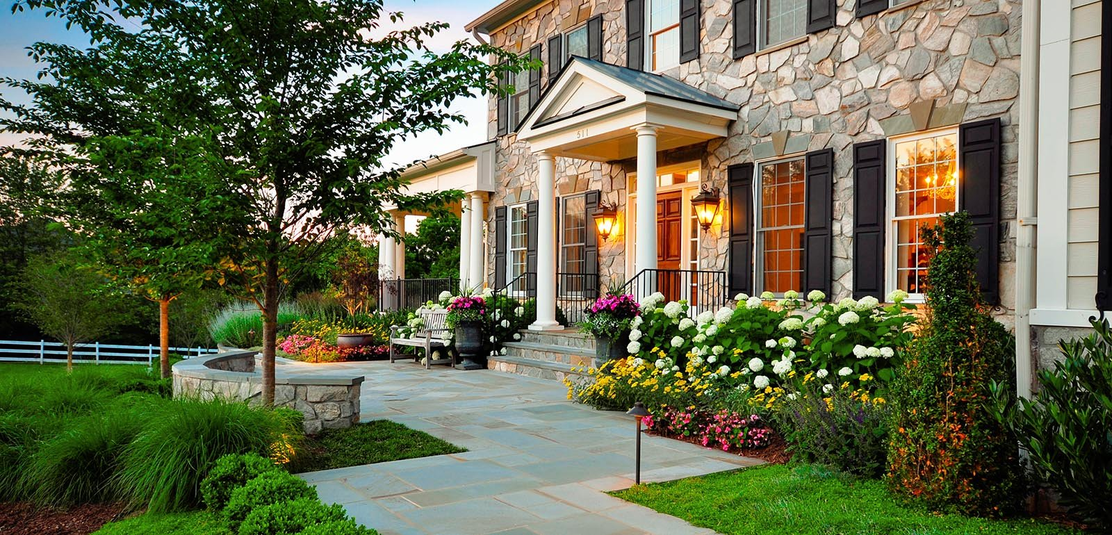 20 Simple But Effective Front Yard Landscaping Ideas on Simple Backyard Landscaping Ideas id=76111