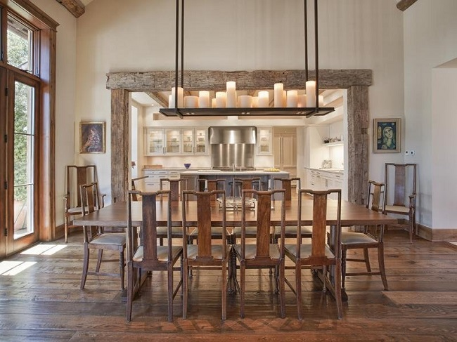 20 gorgeous dining rooms with beautiful chandeliers for Gorgeous dining rooms