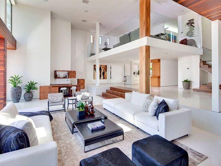 20 Beautiful Mezzanine Living Room Ideas