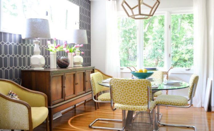 Vintage Style Mid Century Is Still Alive And Well Homeowners Are Donning The Look In Their Homes From Bathrooms Kitchens Living Rooms