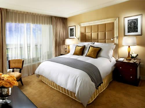 20 Ideal Small Master Bedroom Ideas