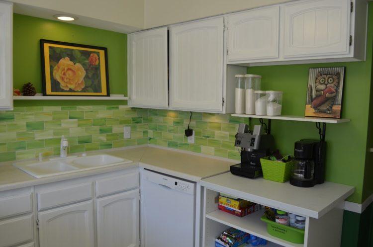 20 Amazing Kitchen Tile Design Ideas