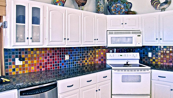20 Amazing Kitchen Tile Design Ideas
