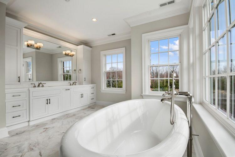 20 Master Bathroom Window Ideas You'll Love