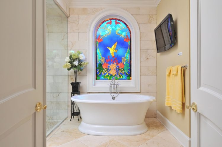 Here Are 20 Master Bathroom Window Ideas That Should Give You Inspiration: