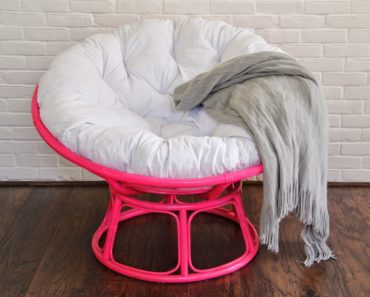 The History and Evolution of the Saucer Chair