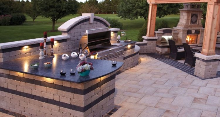 20 Backyard BBQ Setups We Should All Aspire to Have