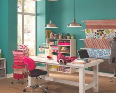 10 Unconventional Home Office Colors That Work