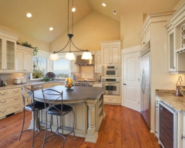 20 Beautiful Kitchens With High Ceilings