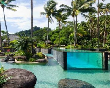 20 Amazing Pools It's Hard to Believe are Public