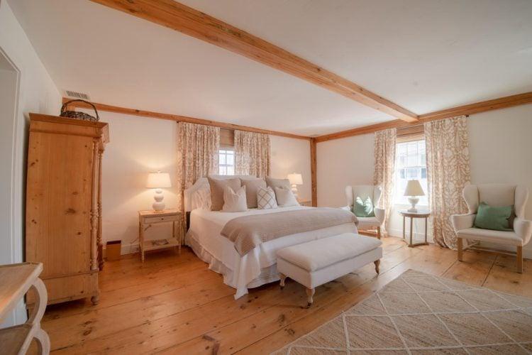 20 Gorgeous White Master Bedroom Ideas on nantucket nautical symbols on houses, nantucket harbor wall art, nantucket bedroom design,