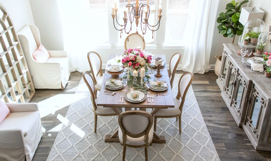 The Key Characteristics of a French Country Dining Room