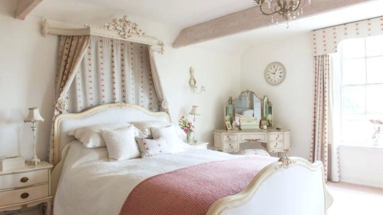 20 Beautiful Examples of French Country Bedrooms