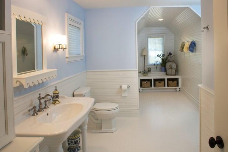 Horizotnal Beadboard Bathroom