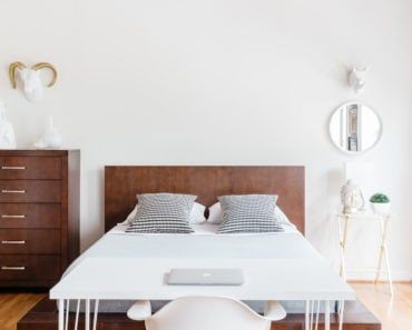 Here Is All You Need for a Minimalist Bedroom