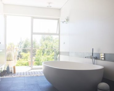 10 Tips for Creating Feng Shui in the Bathroom