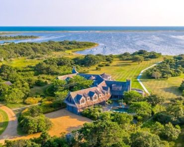 A Closer Look at The Obamas' New $11.75 Martha's Vineyard Mansion