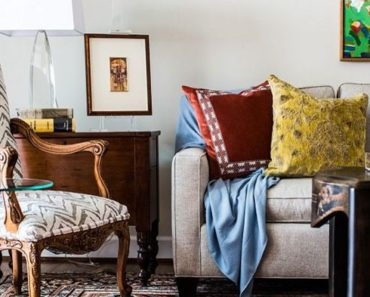 Is There Such A Thing As A Stylish Messy Living Room?