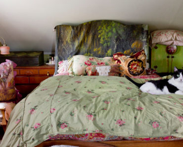10 Essentials for the Perfect Gypsy Bedroom