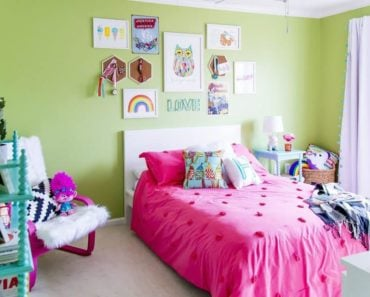 10 Essentials for the Perfect Rainbow Bedroom