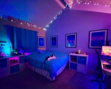 10 Essentials for the Perfect Vaporwave Bedroom