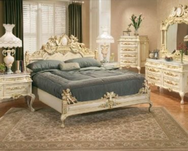 10 Essentials for the Perfect Victorian Bedroom