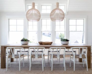 10 Essentials for the Perfect Coastal Dining Room