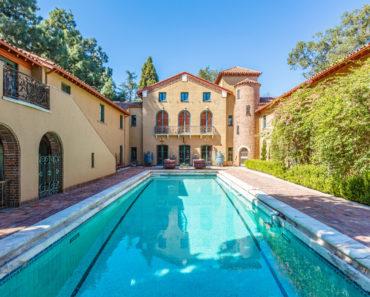 """Legendary """"Scream 3"""" House is on the Market for $40 Million"""