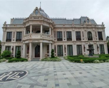 """""""Schitt's Creek"""" Rose Mansion Is Selling for $16 Million"""