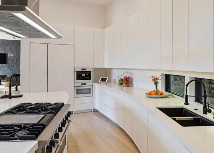 Brooklyn Beckham Nicole Pelz Home