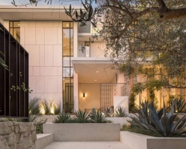 Sofia Richie Pays $17 Million for Los Angeles Home