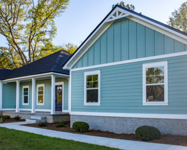 How to Hang Heavy Things on Vinyl Siding